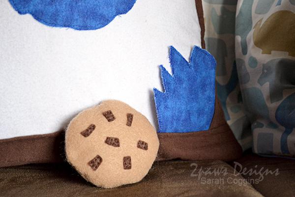 DIY Cookie Monster Pillow: Hand & Cookie