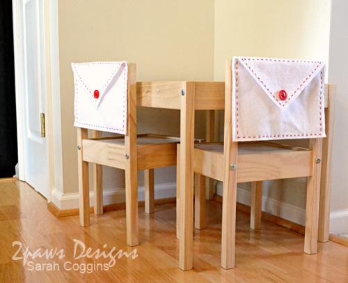 Create your own Felt Valentine Envelopes. #diy #tutorial 2pawsdesigns.com