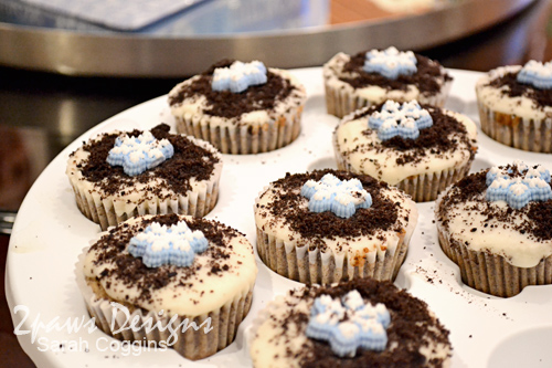 Snowflake Baby Shower: Cupcakes