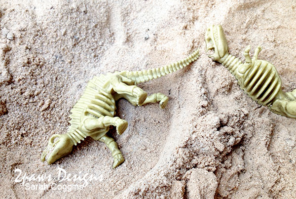 Four-esta: Dino Hunt for Fossils