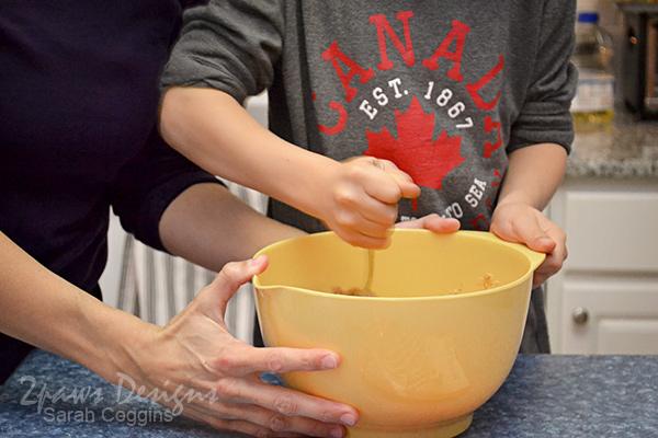 Stirring Betty Crocker Peanut Butter Cookie Mix #SpreadCheer #sp