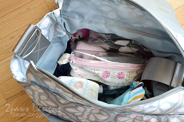 "Small Vinyl Organizer Bag Tutorial: Diaper Bag ""Abyss"""