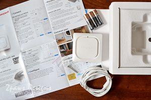 Honeywell Lyric Water Leak & Freeze Detector: Contents