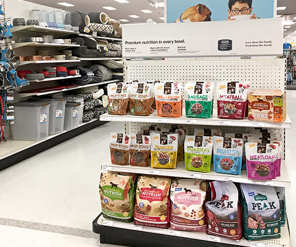 Rachael Ray™ Nutrish® Treats Endcap Display at Target #ad #NutrishRealMeatTreats #NutrishPets