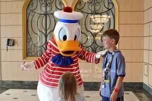 Disney Fantasy Cruise: Meeting Donald Duck