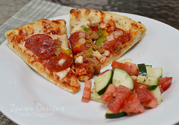 Easy Dinner Idea: Freschetta Pizza with Tomato and Cucumber Salad #ad #FreschettaFresh