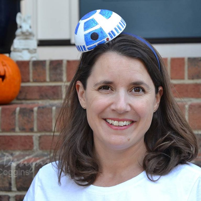 Simple DIY R2-D2 Costume Headband